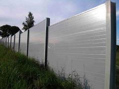 Noise-insulating fences from a sandwich of panels