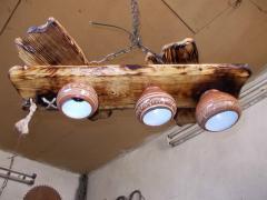 Люстри дерев'яні