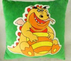 Throw pillows: Dragon Boss, Sonya