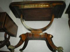 Антикварный карточный стол конец 18-го века.