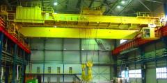 Bridge cranes of common industrial execution with