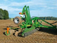 AMAZONE compact disk harrow of Catros
