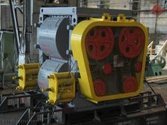 Дробилка четырехвалковая для дробления твердого топлива (уголь, кокс) крепостью до 15 ед. по Протодьяконову и устанавливается для среднего и мелкого дробления