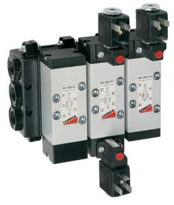 Spool-type distributors with electric air