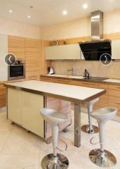 Мебель для дома: обеденные столы со стульями,