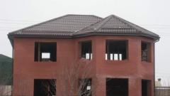 Valmovy roof