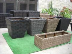 Flower pots, planters. Manufacture and sale of