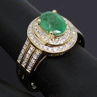 Jewelry with handwork emeralds