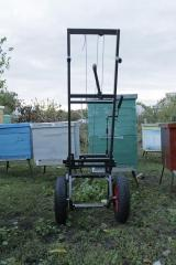 Means of mechanization for work with beehives. The