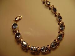 Браслеты золотые с полудрагоценными камнями ручной