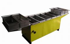 Steam-heated frying oven for roasting of