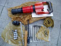 Пистолет ПЦ84 для пристрелки сетки, фанеры, металлических пластин