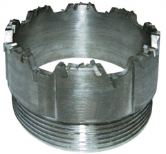 Crowns reztsovy hard-alloy the SM-5 type are used