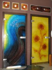 Glass interrooms of a door