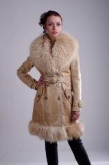 Leather coat on the warmed lining, a collar and an