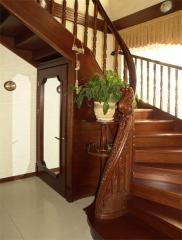 Деревянные лестницы на заказ.  Лестницы