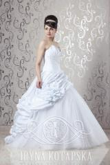 Wedding dresses of Selena - model Sheron
