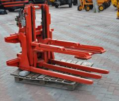 Upper clip for loader