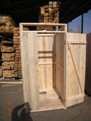 Деревянный туалет без сидушки