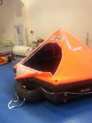 The inflatable liferaft on 10 people, UZEMIK