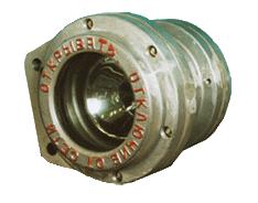 Фары ФВУ3 и ФВУ3А предназначены для освещения пути при движении электровозов и других машин в условиях шахт, опасных по газу и пыли.