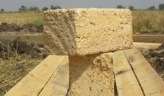 Kamen-rakushnyak, natural construction material