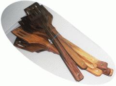 Кухонная лопатка из дерева