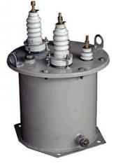 Single-phase transformers of tension of the oil