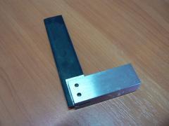 Угольник слесарный с широким основанием УШ 100×60