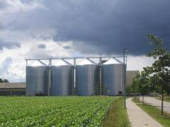 Metal silos for grain storage and wood pellets