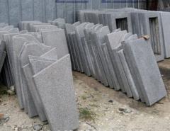 Памятники с мраморной крошки