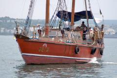 Яхта крейсерская моторно-парусная Звезда Вега