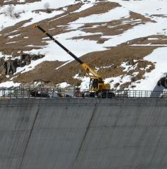 Pass the MAEDA LC 1385 crane