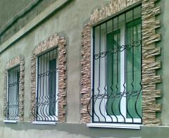 Решетки на окна и двери защитные металлические,