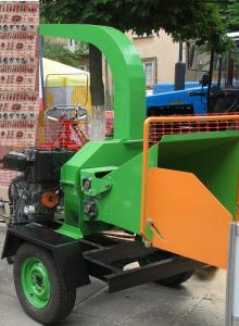 Mobile crusher of wood with the diesel Rugerini