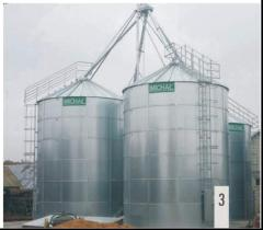 Grain storage silo flat-bottomed