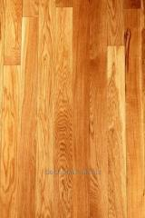 Oak parquet from the massif. Character. Width is