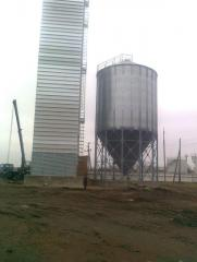 Granaries from the metal ventilated silos