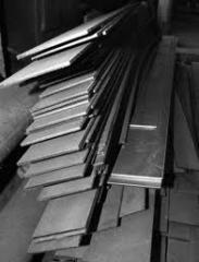 Sheets and strips steel with a chromic covering,