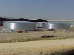 Tanks for fertilizers, modular plastic tanks in