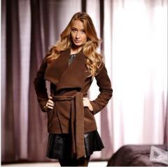 Укороченное пальто коофейного цвета
