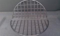 Grid on tandoor bottom