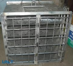 Cage for salting of cheese, the cheese equipmen
