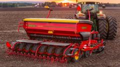 Seeder of VADERSTAD RD-400C SUPER XL