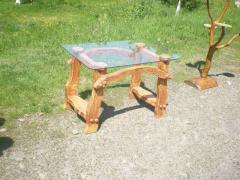 Столы из натурального дерева
