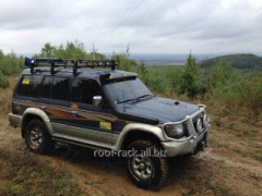 Forwarding luggage carrier of Pajero Wagon
