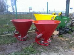 Fertilizer distributor on 500 kg