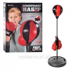 Боксерская груша на стойке