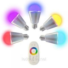 Светодиодная Лампа Диммируемая RGB 9 Вт с пультом
