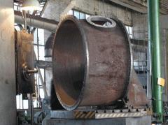 Las columnas tarelchatye kolpachkovye para la realización químico massoobmennyh de los procesos en los ciclos de producción distintos, se preparan dos tipos: con el tornasol exterior e interior del líquid